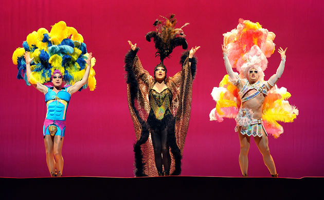 priscilla-queen-of-the-de-001