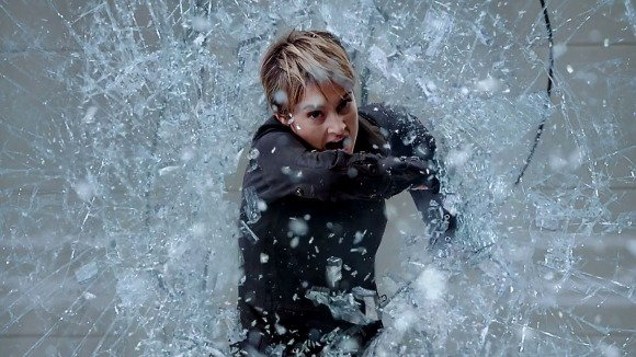 Tris wished she'd spotted that glass sliding door just a minute earlier