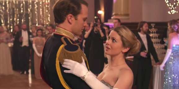 5-reasons-you-need-netflixs-new-movie-a-christmas-prince-in-your-life-immediately