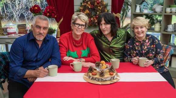 The Great Christmas Bake Off: - Paul, Prue, Noel and Sandi